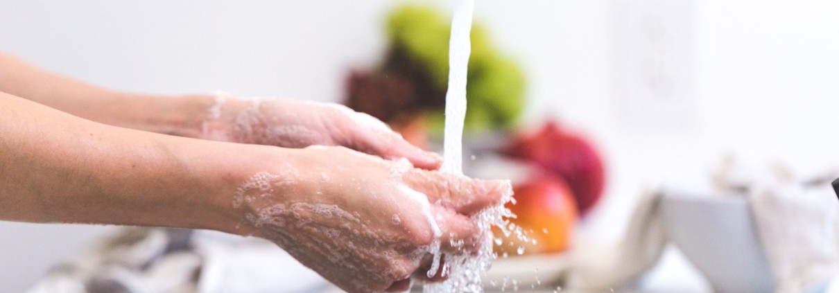 tagrisk insurance services - restaurant safety washing hands to prevent cross-contamination